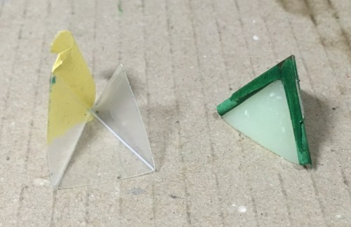 三角錐に爪楊枝接着後